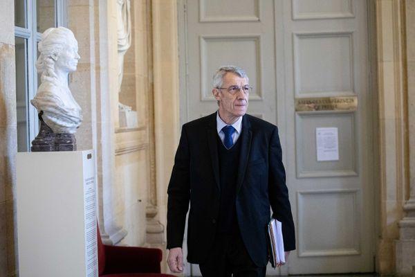 Michel Castellani, député de la première circonscription de Haute-Corse, dans les couloirs du palais Bourbon.