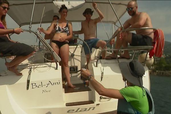Les ambassadeurs vont de bateau en bateau pour faire de la pédagogie.