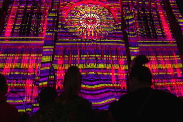 Les couleurs vives danseront sur la façade occidentale de la cathédrale trois fois par soirs jusqu'au 30 septembre