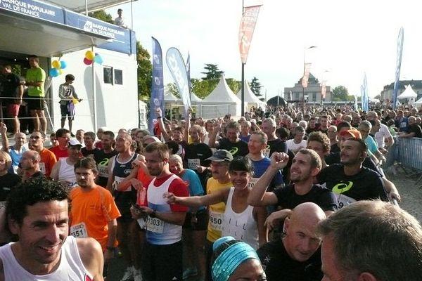 Les coureurs se préparent pour les 10 kilomètres.