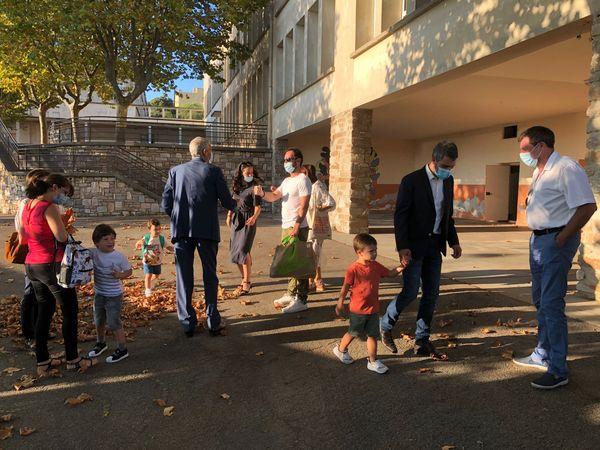 Un premier jour pas vraiment comme les autres pour les jeunes élèves d'A Scola Corsa, ici à Bastia.