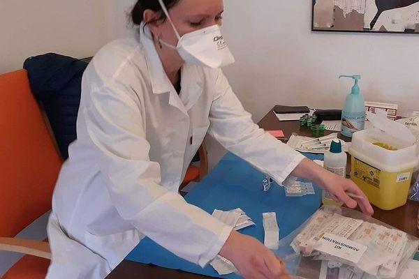 Cette infirmière libérale de Charleville-Mézières fait partie du collectif.