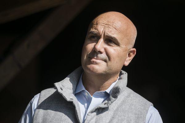 """""""J'arrête la vie politique, j'ai adoré ça, mais c'est le moment de dire stop"""", a annoncé Nicolas Perruchot le 4 janvier 2021."""