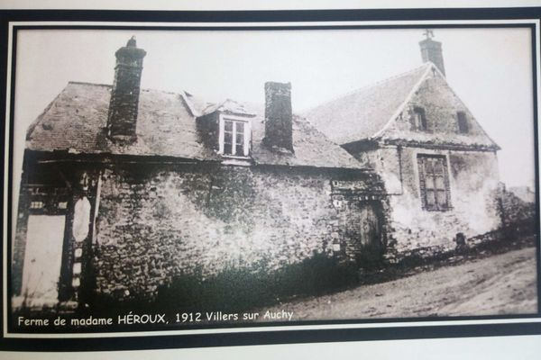 La ferme de Sophie-Julie Héroux photographiée en 1912 à Villers-sur-Auchy
