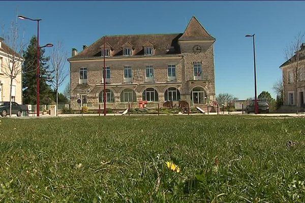 Toutes les façades du bourg de Rouffignac datent d'après-guerre.