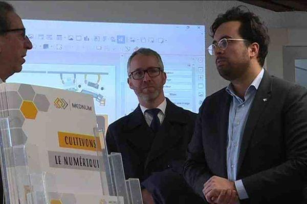 """Pour Mounir Mahjoubi, """" le numérique est une opportunité pour rapprocher les citoyens des services publics partout sur le territoire, à une seule condition : celle d'accompagner les 20% des Français qui ne savent pas se servir d'internet"""""""