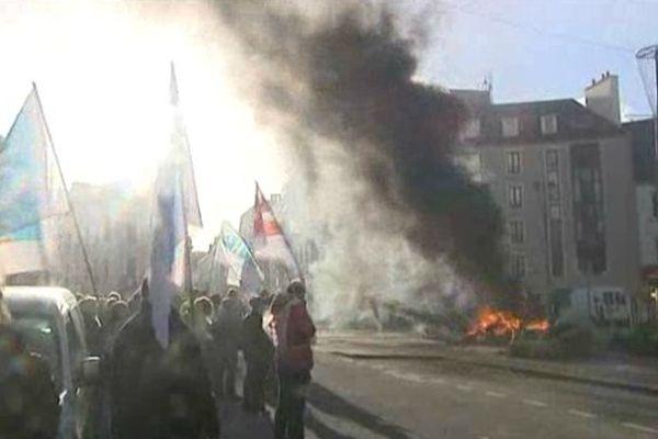 Les agents de l'hôpital Pasteur ont manifesté ce mardi dans les rues de Cherbourg