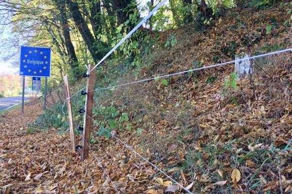 Cette clôture est installée depuis le 16 octobre 2018 par les chasseurs ardennais