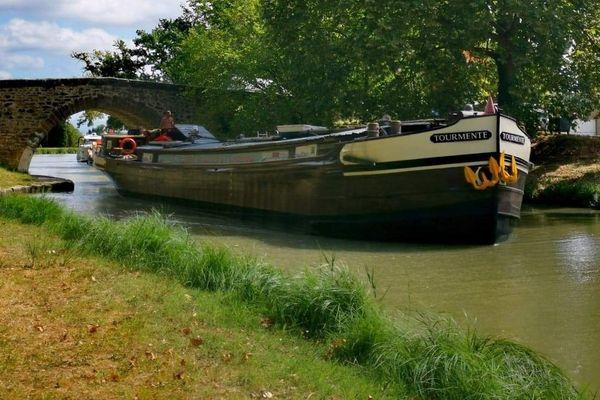 La péniche Tourmente partira de Damazan le 3 mai pour rallier Bordeaux le 7.