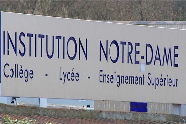 Un professeur de lycée de Chartres a été mis en examen pour agressions sexuelles sur mineur.
