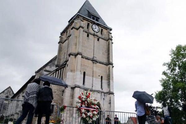 L'un des tueurs du père Hamel a été inhumé dans le carré musulman du cimetière de Puiseux-Pontoise, dans le Val d'Oise.