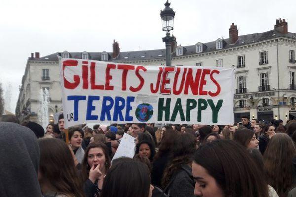 Il y a un an, le 15 mars 2019, les lycéens et étudiants se sont mobilisés en masse à Tours.