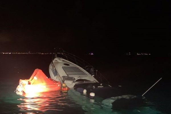 La SNSM a permis au bateau de ne pas couler complètement.