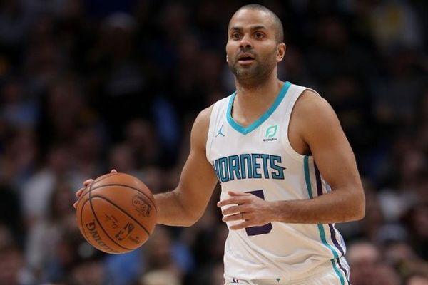 Les fans de Tony Parker pourront peut-être le voir jouer dans son équipe des Charlotte Hornets (Caroline du Nord).