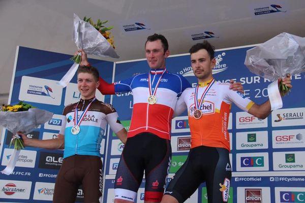 C'est la deuxième fois après son titre de 2014 que Romain Bacon revêt le maillot bleu-blanc-rouge de champion de France du contre-la-montre amateur.
