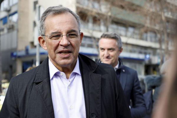 Thierry Mariani, ici à gauche en compagnie de Stéphane Ravier, candidat RN aux élections municipales à Marseille, lors d'une opération de tractage en février 2020.