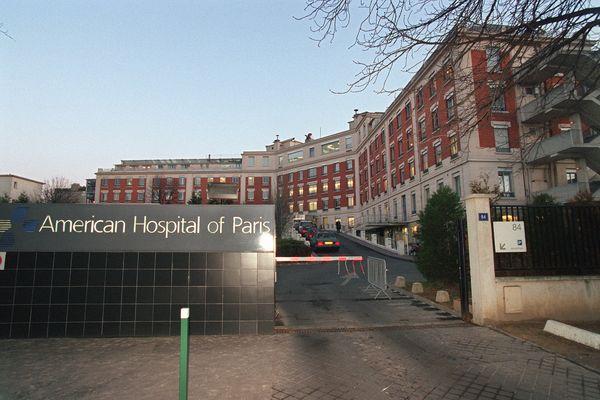 Vue extérieure de l'Hôpital américain de Paris, à Neuilly-sur-Seine.