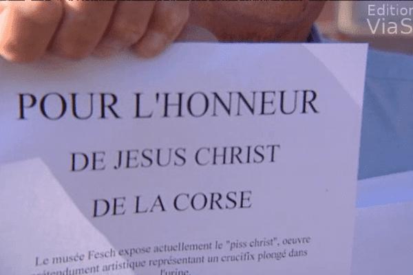 Parmi les manifestants, plusieurs associations catholiques.