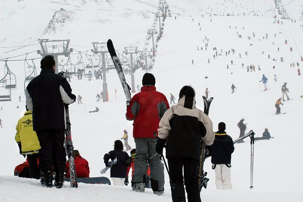 Les amoureux de la poudreuse qui espéraient se rendre dans l'une des stations de ski d'Andorre vont devoir encore patienter.