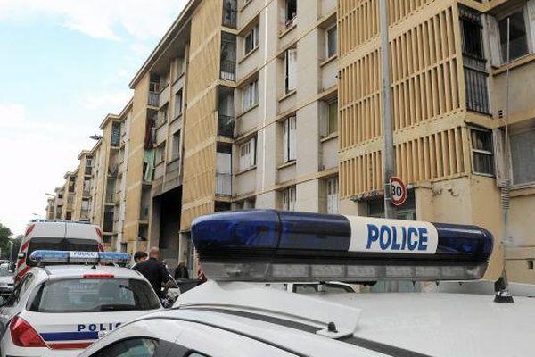 Intervention des forces de police dans le quartier du Petit Bard Archives