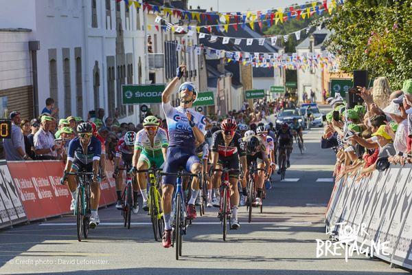 L'Espagnol Oscar Pelegri Ferrandis remporte au sprint cette troisième étape du Tour de Bretagne 2021