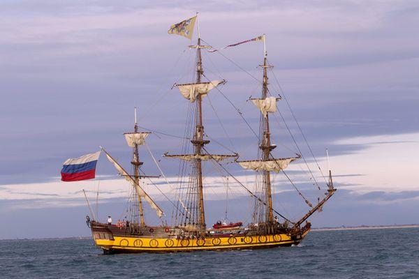 Une réplique d'un navire russe de 1703 s'est posé à Nantes
