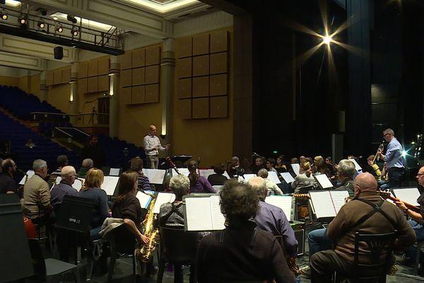 L'orchestre d'harmonie de la ville de Belfort travaille les pièces créées pour le concours.