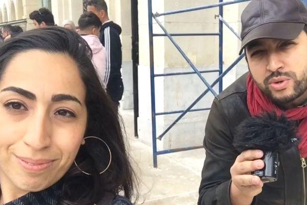 Amina et Redha, nos correspondants à Marseille et à Alger, ont enquêté sur l'humour utilisé par les manifestants contre le régime algérien.