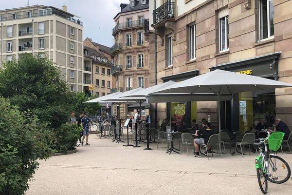 Le centre-ville de Strasbourg compte environ 350 terrasses.