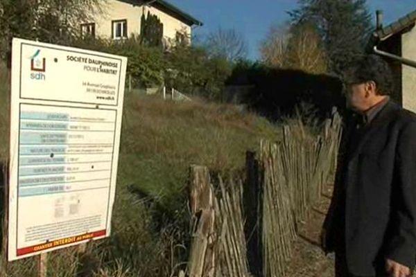 Le maire (DVD) de Ruy-Montceau (Isère), Guy Rabuel
