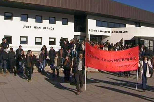 Montpellier - manifestation des enseignants et lycéens du lycée Mermoz - 9 décembre 2013.