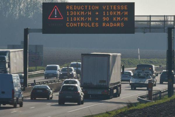 Pollution aux particules fines et vitesse maximale réduite sur les routes du Nord et du Pas-de-Calais.