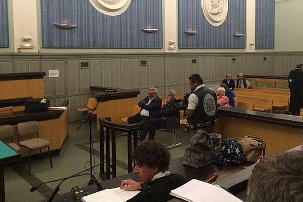 Perpignan - 3 membres du Perpignan basket devant le tribunal correctionnel pour organisation illégale 468 loteries - 31 mai 2016.