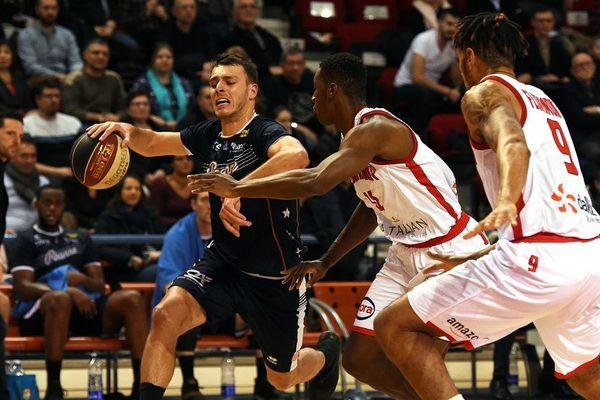 Nancy reçoit Roanne au palais des sports Jean Weille de Gentilly (13e journée Pro B - Basket)