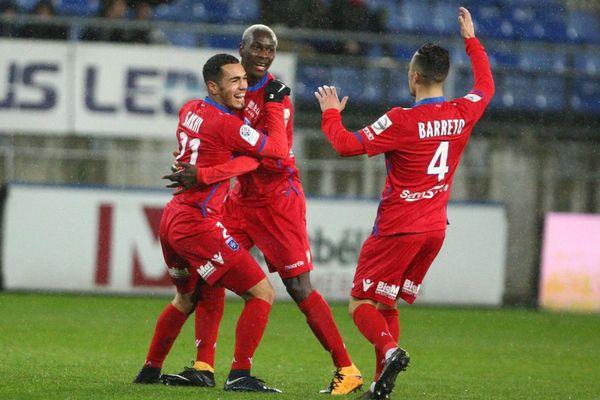 La joie des joueurs de l' AJ Auxerre après avoir marqué un 2e but lors de la 28e journée de Ligue 2 face au FC Sochaux - Montbéliard au Stade Bonal, le 13 mars 2018.