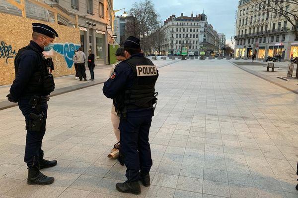 Opération de contrôle de police le 27 fevrier 2021 pour contrôler le respect du couvre-feu