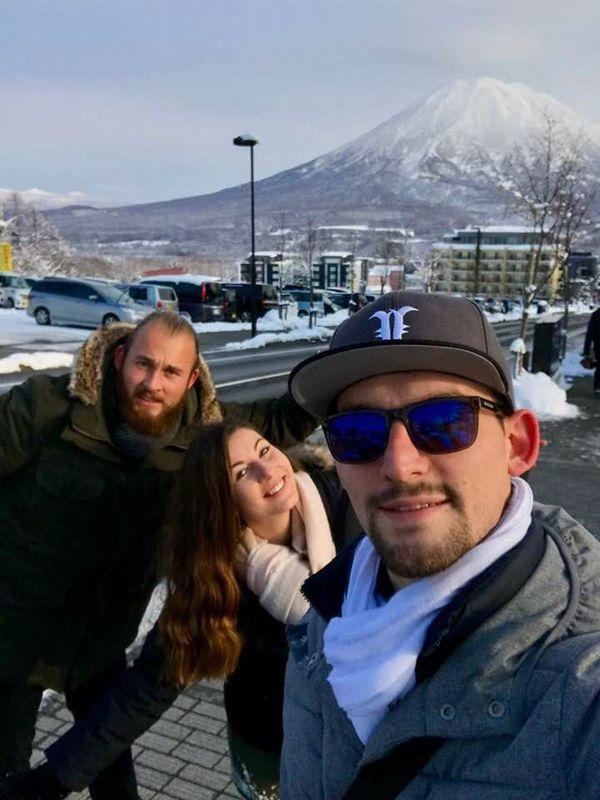Joffrey et deux amis en direct du Japon.