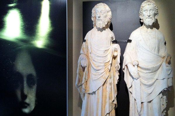 Ces statues appartiennent à un ensemble dit du collège apostolique de Jumièges.