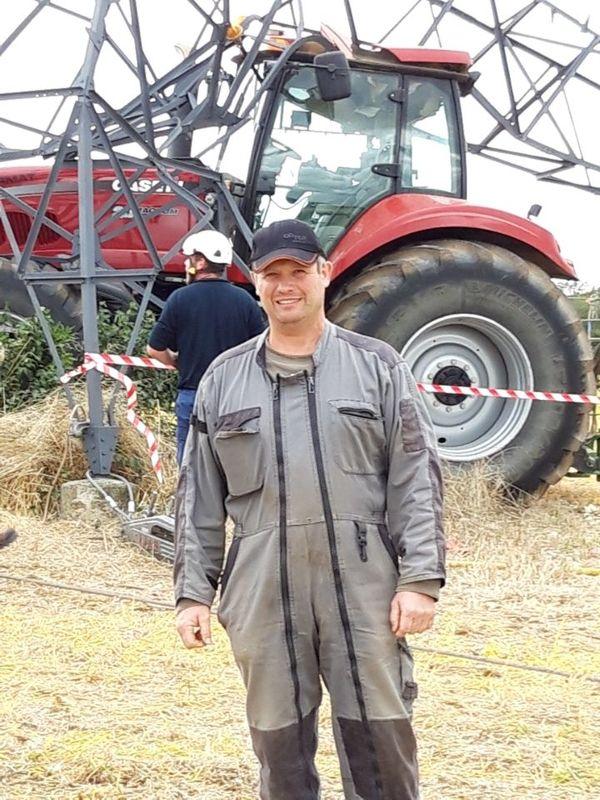 Christophe Mougin, l'agriculteur miraculé, qui est resté coincé 3h dans son tracteur sous une ligne de 63 000 volts
