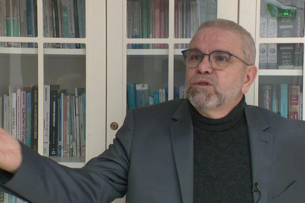 Formation des imams. Pour Azzedine Gaci, Président du conseil théologique des imams du Rhône, la question des finances est également essentielle.