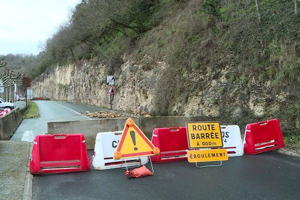 Une falaise qui menace de s'ébouler, nouvel argument selon le Président du Département pour relancer le chantier de la déviation