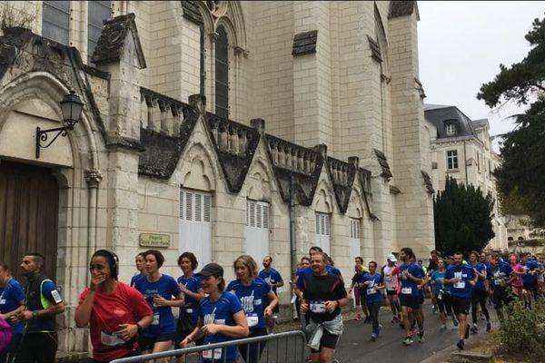 Journée du patrimoine oblige, le tracé des 10 et 20 km de Tours a emmené les coureurs à travers l'ancienne abbaye de Marmoutier
