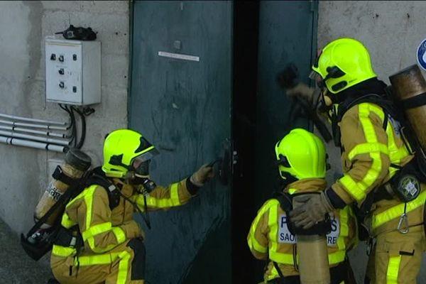 Des sapeurs-pompiers volontaires au centre de formation départemental, à Hurigny