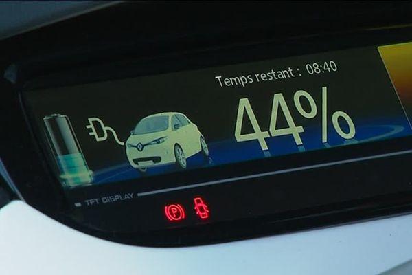 Le point noir des voitures électriques pour l'instant reste leur autonomie. Pas très rassurant quand on n'a pas de borne de recharge à proximité...