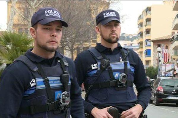 Des caméras embarquées pour couvrir les policiers en cas de conflit mais aussi pour protéger les justiciables de bavure policière.