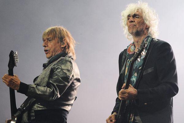 Jean-Louis Aubert et Louis Bertignac sur la scène des Eurockéennes, le 1er juillet 2016.