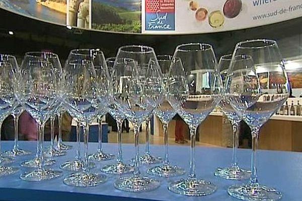 Montpellier - voici le verre (en forme de tulipe) créé pour déguster les vins du Languedoc-Roussillon - archives