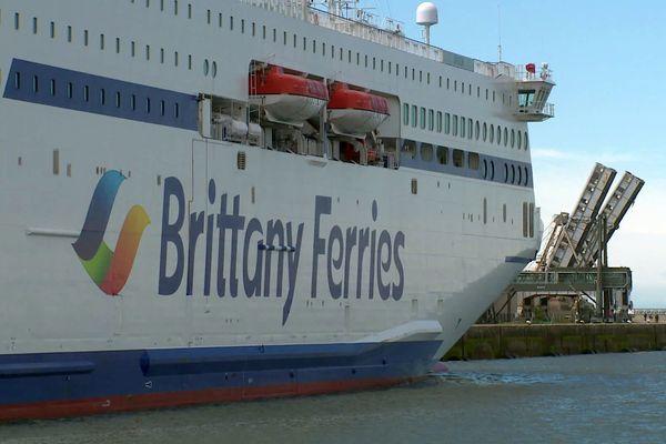 Le Galicia est le dernier né des Ferries de la compagnie française. Il était en escale à Cherbourg le 28 juin. Ce navire effectue les rotation entre Portsmouth et Santander.