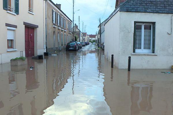 Les rues de Chambly ont été inondées le 2 juin 2021.