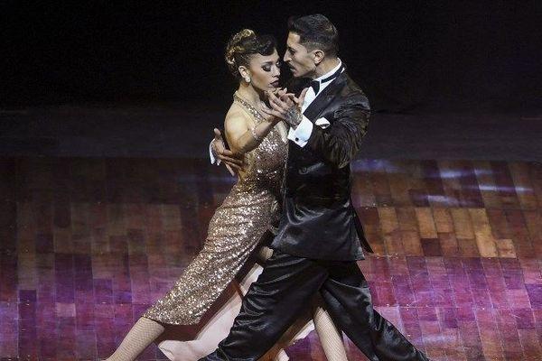 Deux danseurs argentins lors du championnat du monde de dance de Tango à Buenos Aires, 22 août 2018. Eitan Abramovich / AFP